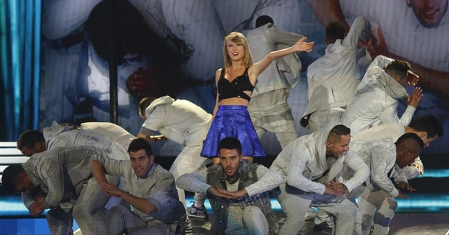 Taylor Swift closes Rock In Rio USA festival in Las Vegas