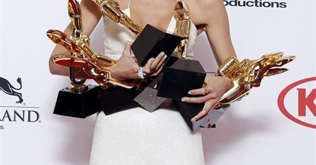 Taylor Swift makes history at Billboard Music Awards