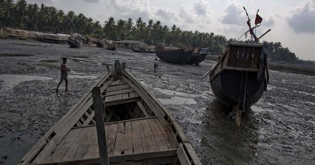 Brokers tricking Rohingya children onto trafficking boats