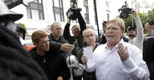 Raiders owner Mark Davis still considers Oakland top option