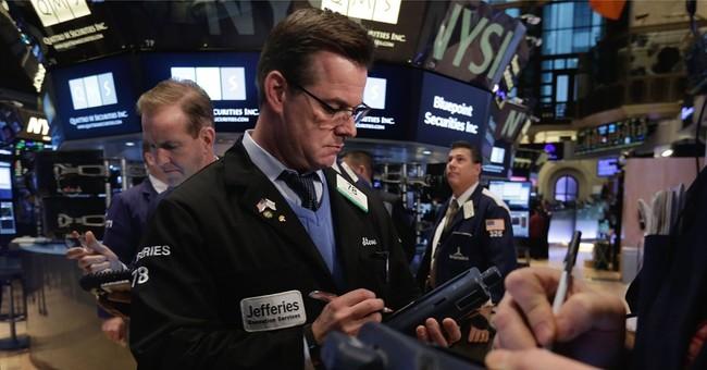 Weak growth forecast, sales slump send US stocks lower