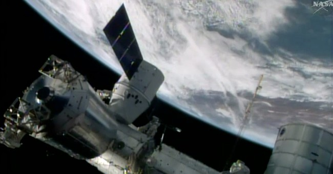 Astronauts flee US side of space station but no sign of leak