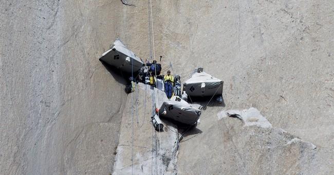 2 US climbers expected to reach top of Yosemite peak