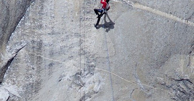 2 US climbers expected to reach top of Yosemite peak