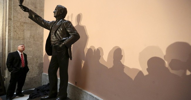 Ohio unveils Thomas Edison statue that will go to US Capitol