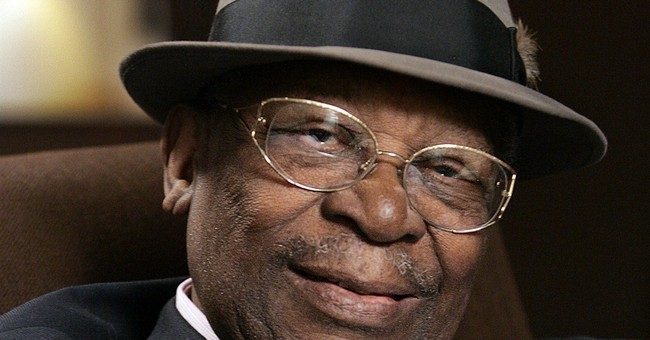 Some B.B. King kin get OK to visit body day before public