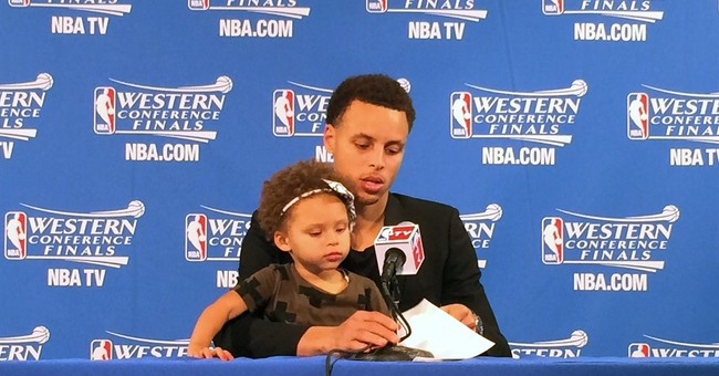 Curry: Bringing daughter to interview was a last-minute call