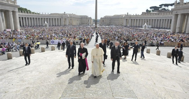 Pope urges Chinese Catholics to be 'united' to church
