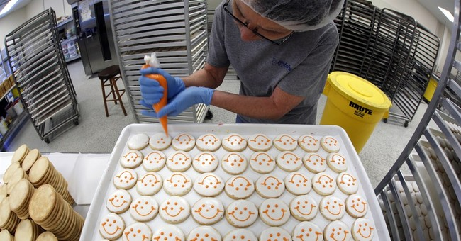 Suit: Competitor's smiley face cookies 'confusingly similar'