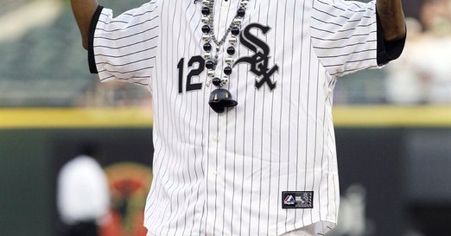 Macklemore, Snoop Dogg to play in celeb softball game