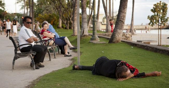 Honolulu mayor vetoes expanded sit-lie ban