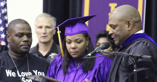 Illinois mom takes son's place at graduation after he dies