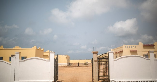 AP PHOTOS: Fleeing Yemen war, thousands stuck in Djibouti