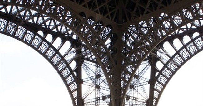 Eiffel Tower disrupted amid workers' anger about pickpockets