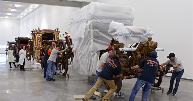 Carriages that carried kings get 21st-century home in Lisbon