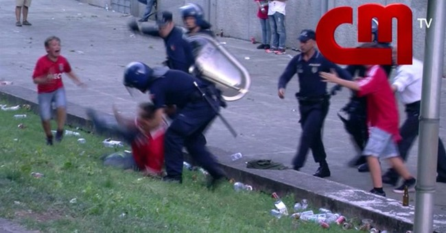 Man hit by Portuguese policeman alleges aggravated assault