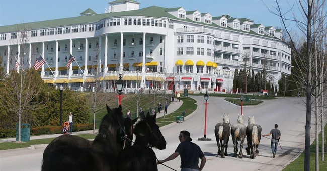 Horses return to Mackinac Island in rite of spring