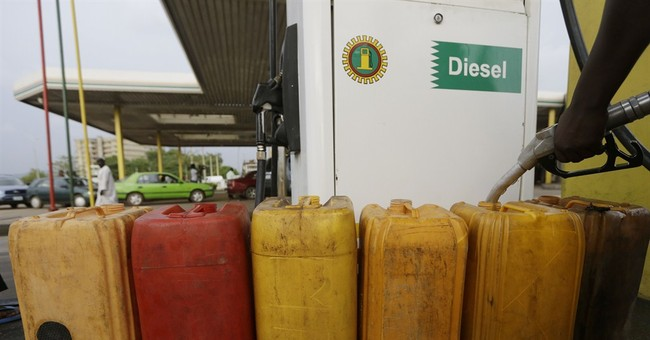 Nigeria paying $800 million to oil suppliers to end crisis