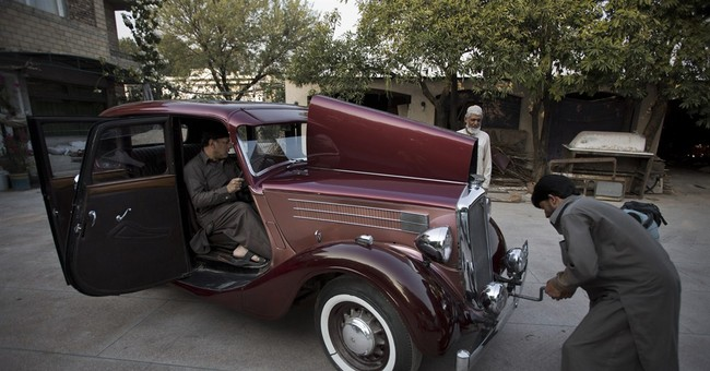 Pakistan vintage car collectors preserve a part of history