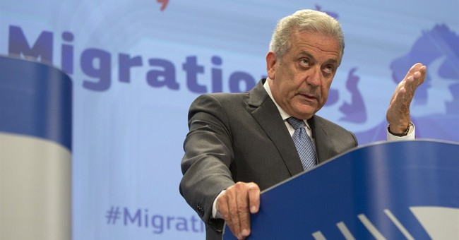Q&A: Nuts and bolts of EU migrant plan to help Italy, Greece