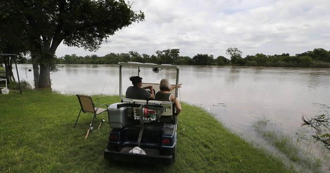 Heavy rain eases Texas drought, but high water could linger
