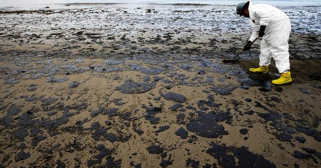 Response by operator of broken oil pipeline faces scrutiny