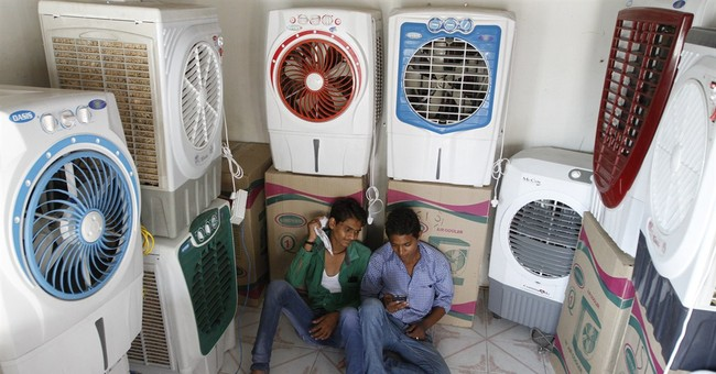 India's heat wave tests water supply; death toll over 1,800