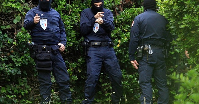 French, Spanish police detain 1 in anti-Basque raid on villa