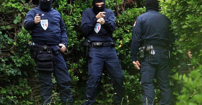 French, Spanish police detain 1 in anti-Basque raid on villa