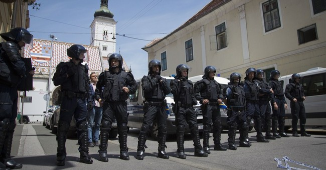 Croatian war vets end protest after PM promises to meet them