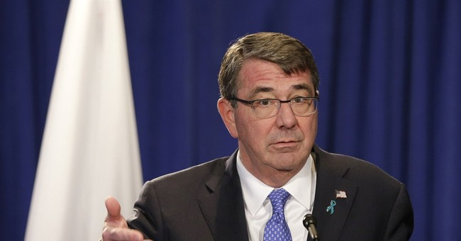 Pentagon chief criticizes Beijing's South China Sea moves