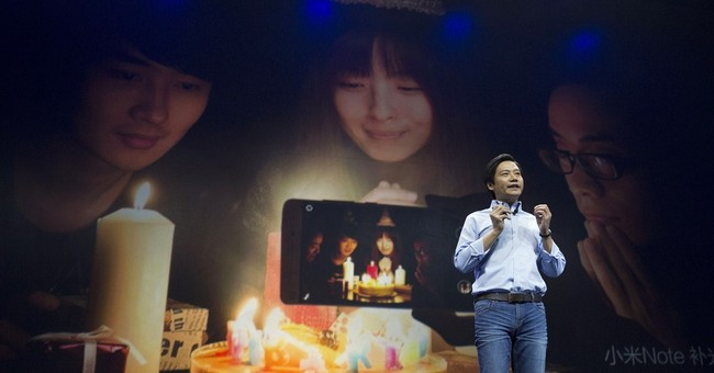 China's Xiaomi takes aim at Apple with new phone