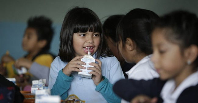 More schools serve students dinner as demand expands