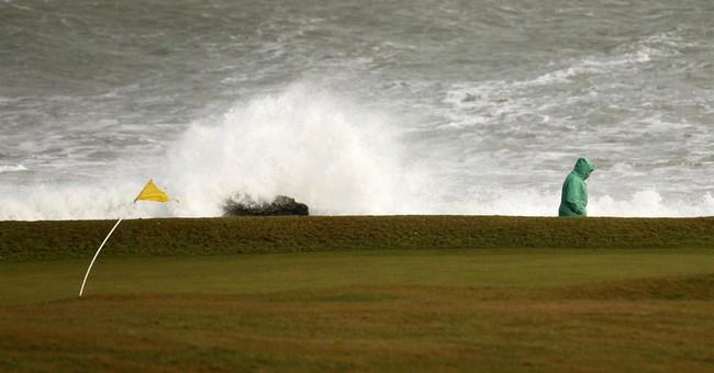 High winds, heavy snow buffets Britain; travel hazardous