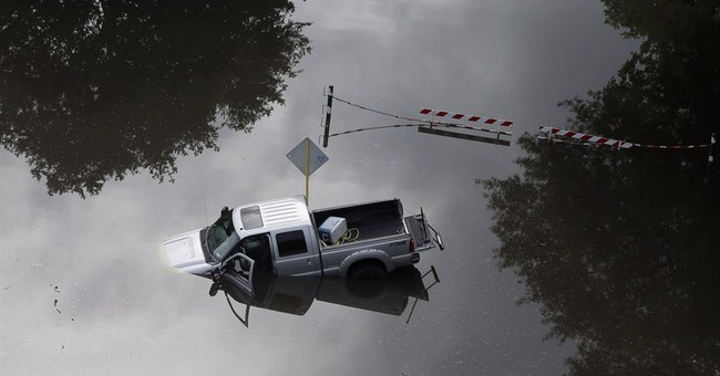 Latest on flooding: Texas rain brings no major new problems