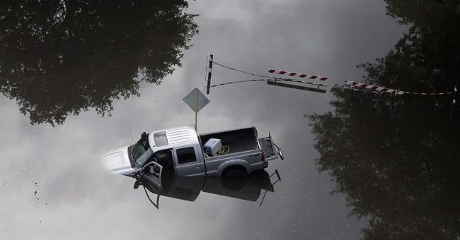 Latest on flooding: Texas rain brings no major new problems