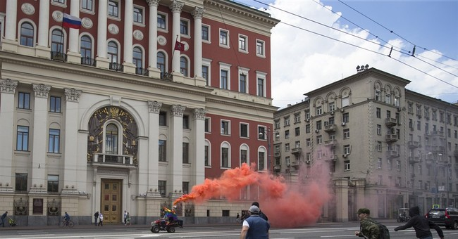 Gay-rights activists clash with foes in Moscow, 15 detained