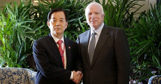 McCain: US should allow sale of defensive weapons to Vietnam