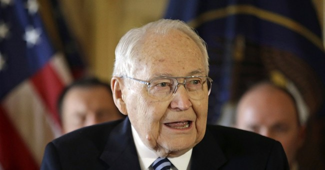 Top-ranking Mormon leader L. Tom Perry dies from cancer