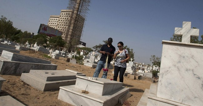 Giant cross rises in Pakistan, home to a Christian minority
