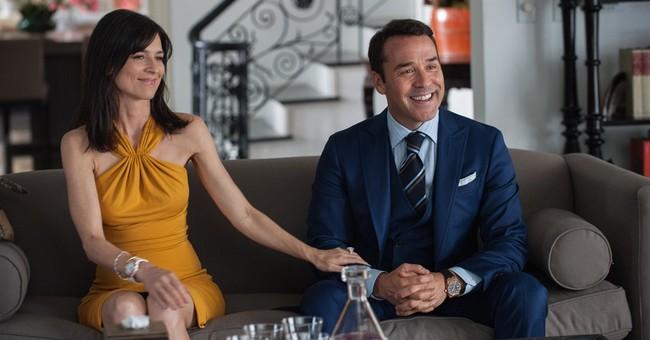 Review: 'Entourage' embraces, celebrates Hollywood excess