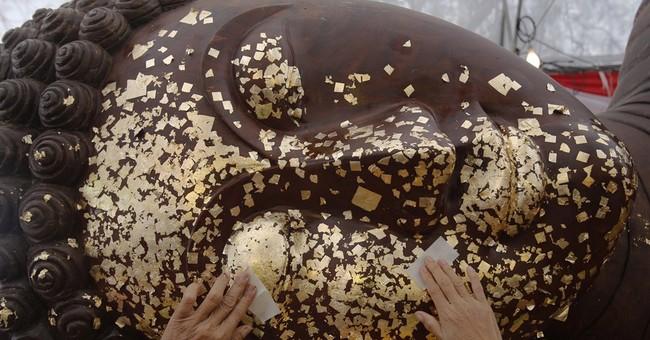 Image of Asia: Marking Buddha's Birthday in Thailand