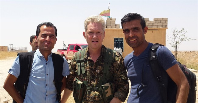 British actor joins Kurds fighting Islamic State group