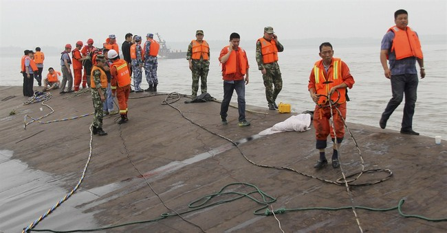 Over 400 still missing from capsized cruise ship in China