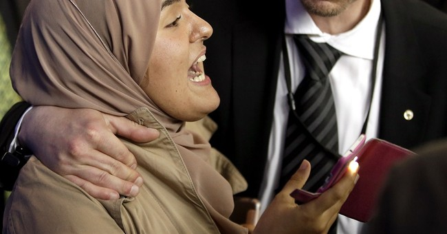 Protester disrupts news conference with Egypt's el-Sissi