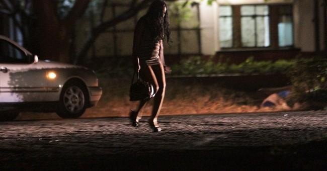 Zimbabwean court stops arrests of women at night