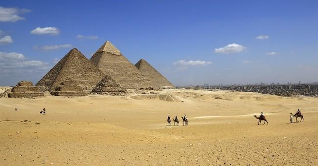 Gunmen in Egypt kill 2 police officers outside Giza Pyramids