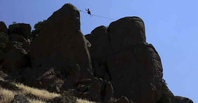 Extreme sport of slacklining gains a foothold in Iran