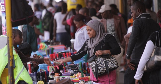 Showdown: Zimbabwe threatens to drive out sidewalk vendors