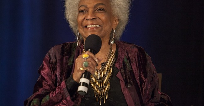 'Star Trek' star Nichelle Nichols recovering from stroke
